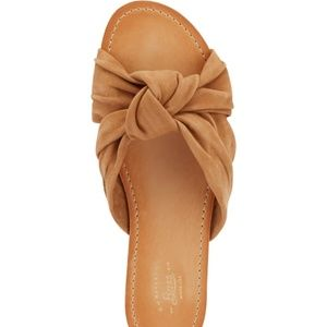 Bass Suede Knotted Bow Sandal - Sz 8